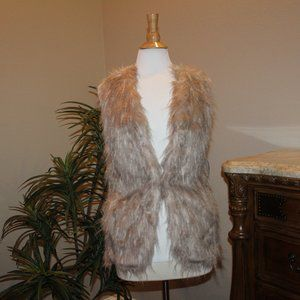 NWT Sebby Collection  Faux Fur Fashion Vest Medium